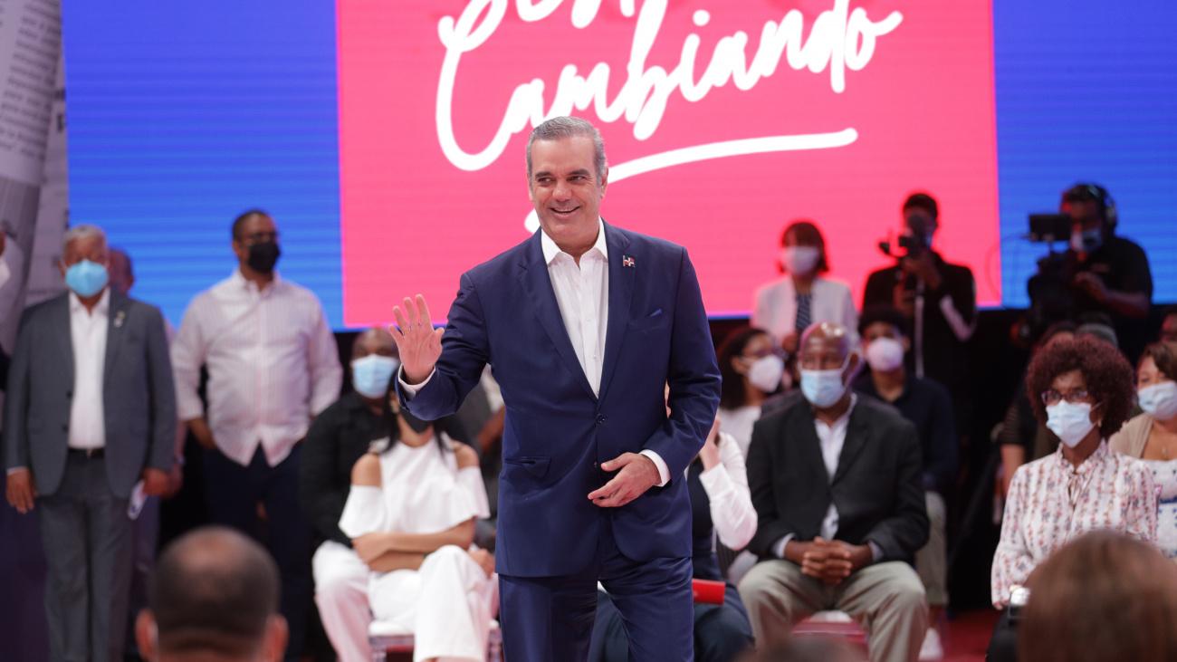 """Presidente Informa: """"Gobierno invierte RD$ 2,600 millones para combatir la pandemia"""""""